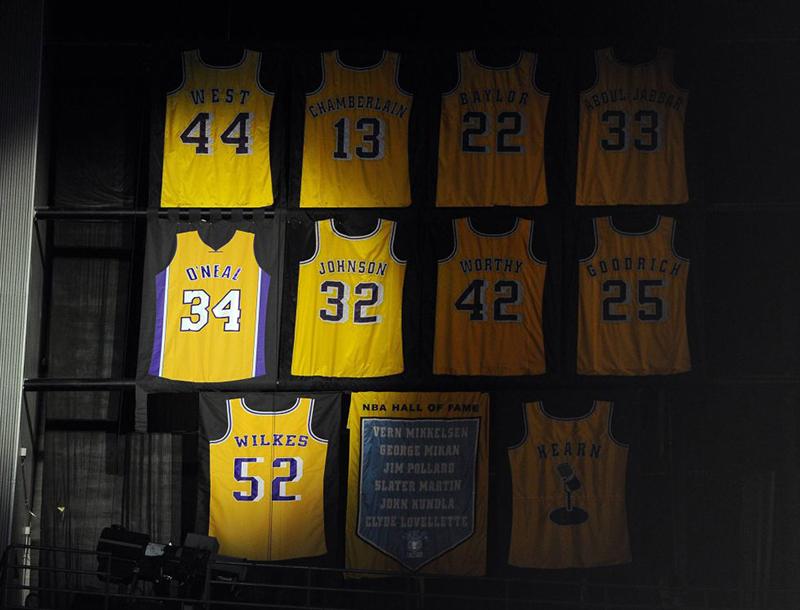 Los 3 números más veces retirados de la NBA foto 2