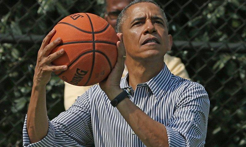 Obama recomienda libros de basquet