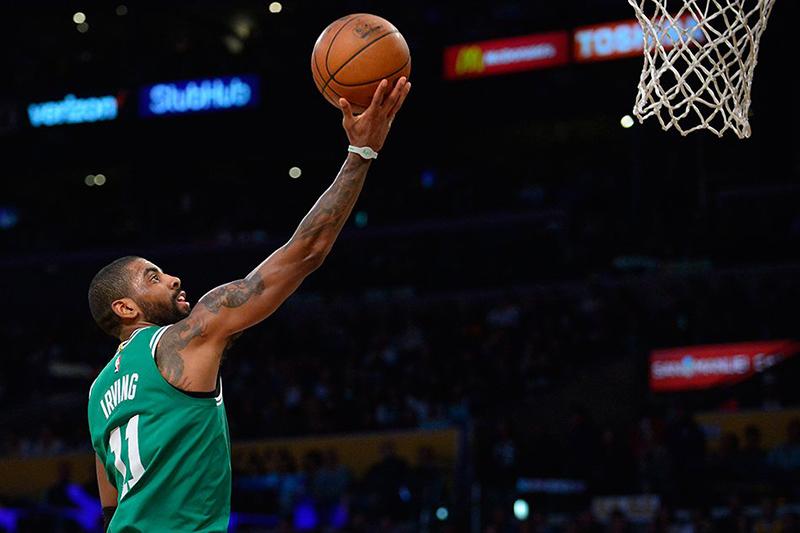 Kyrie Irving salvó a los Celtics