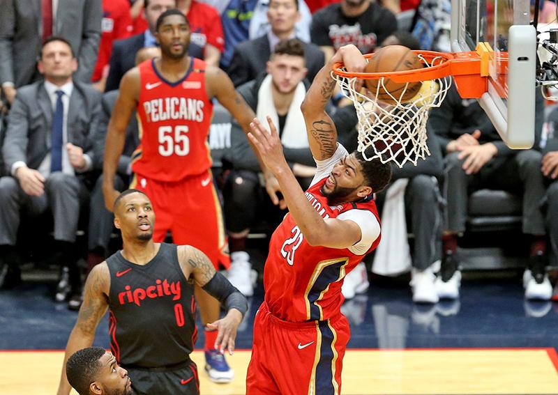 LeBron y Harden comandan el Equipo Ideal de la NBA