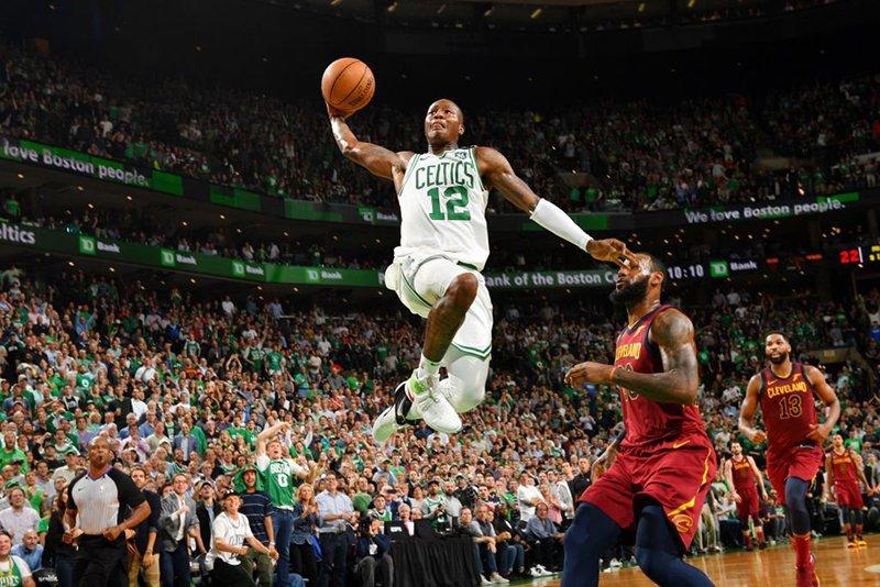 Los Celtics invencibles en casa