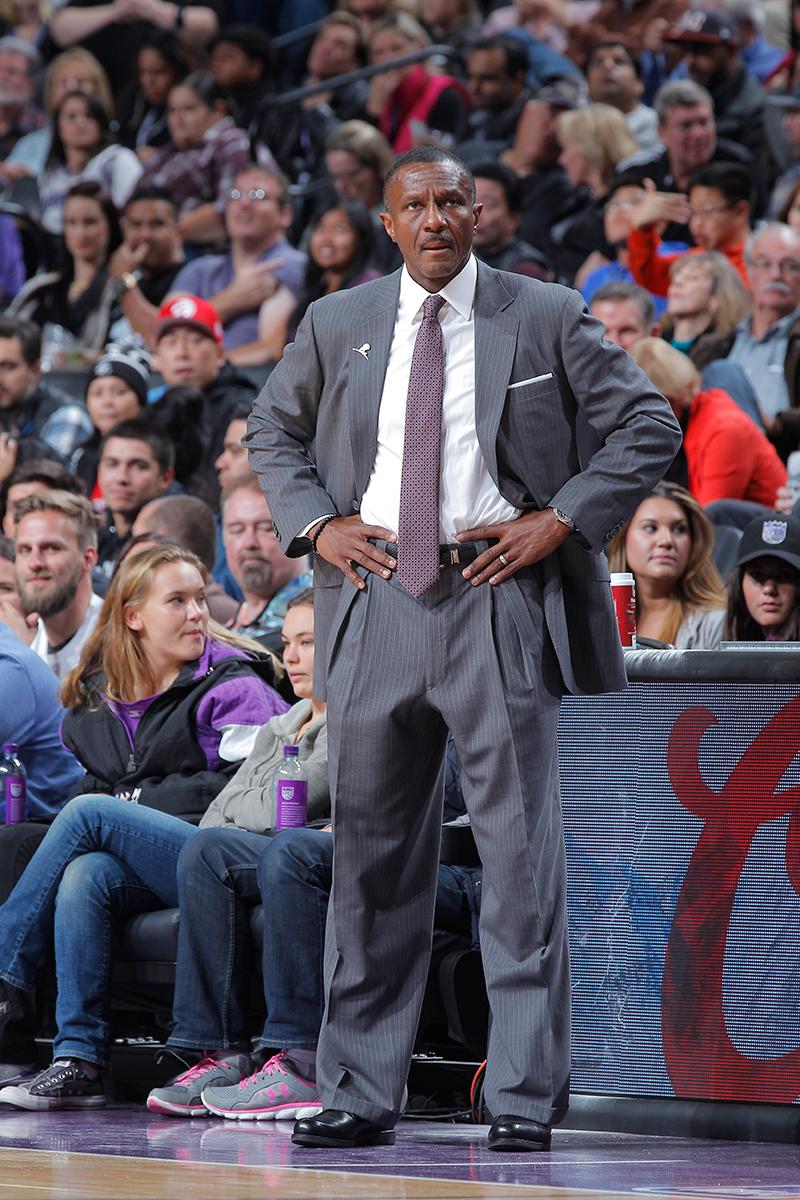 Pistons y Raptors estrenan coach