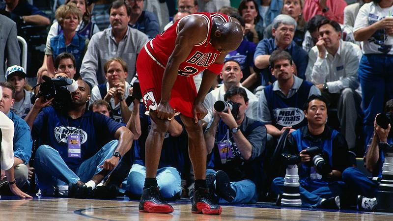 """Las teorías detrás del """"Flu Game"""" de Jordan"""