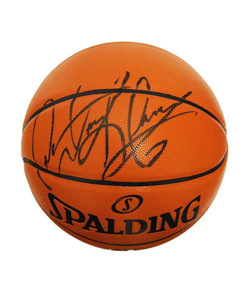 Balón Spalding original firmado por Dennis Rodman