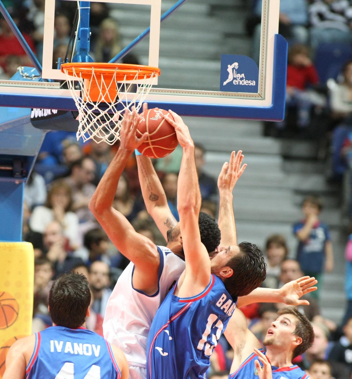 MARCO BANIC en viva basquet