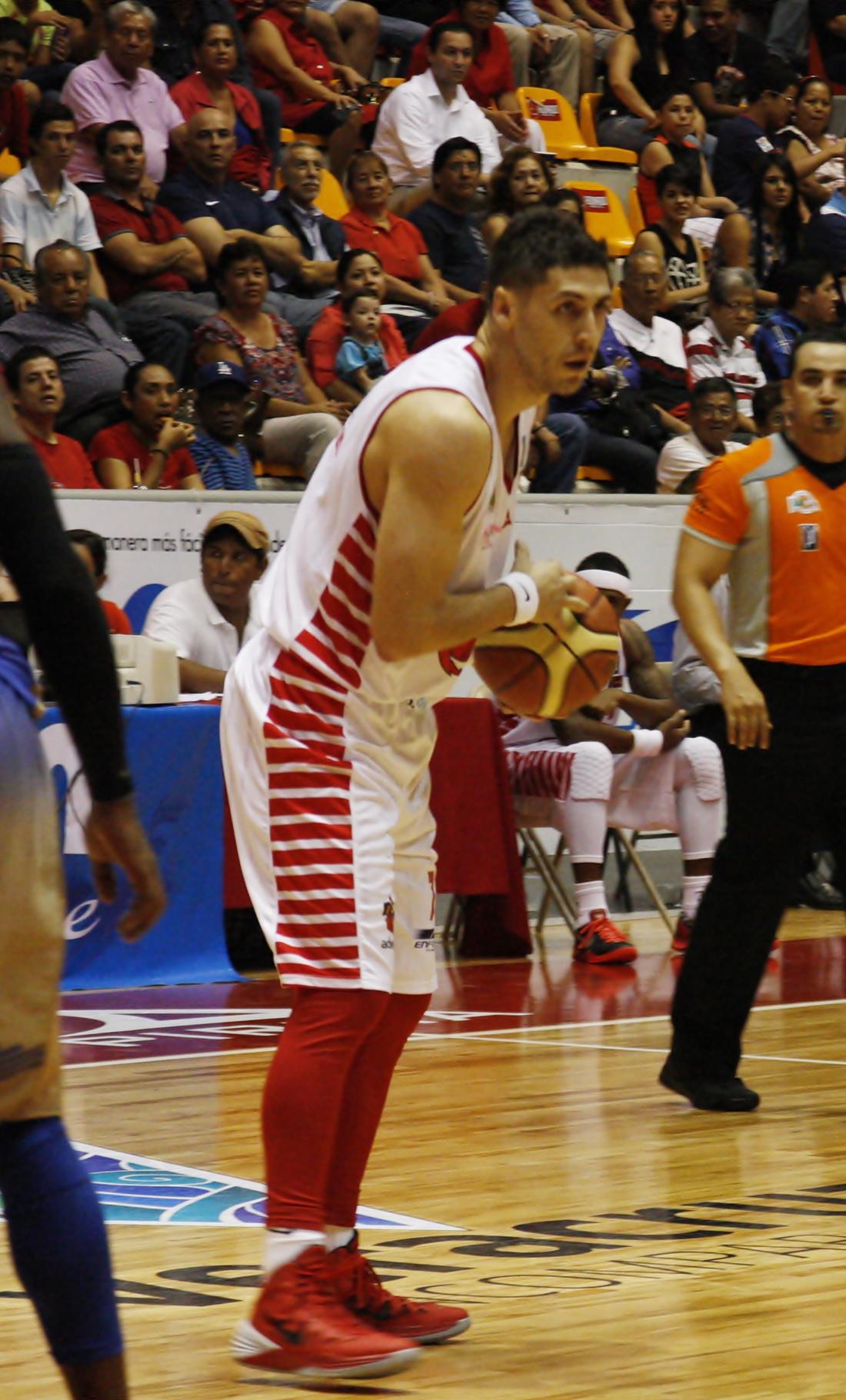 HALCONES ROJOS VS HURACANES en viva basquet
