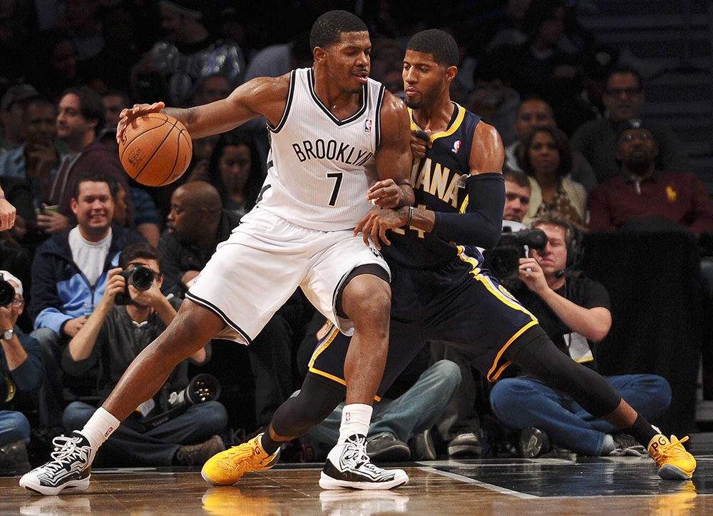 Joe Johnson & Paul George en viva basquet jugando basquetbol