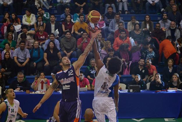 HALCONES VS PIONEROS en viva basquet