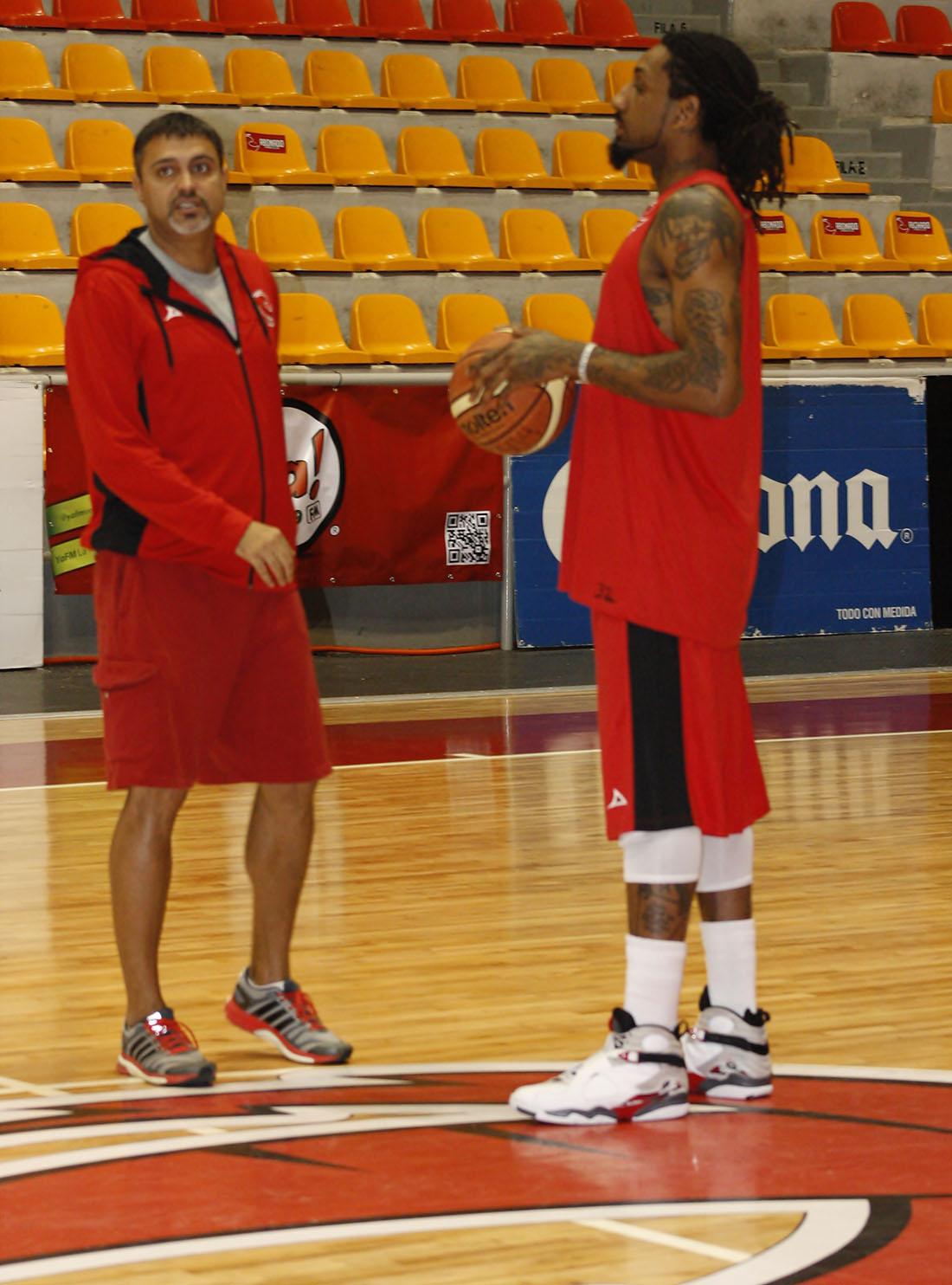 Renaldo Balkman ahora en halcones rojos, la nota en viva basquet