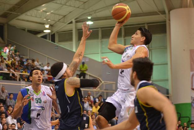 Mario Machón en viva basquet