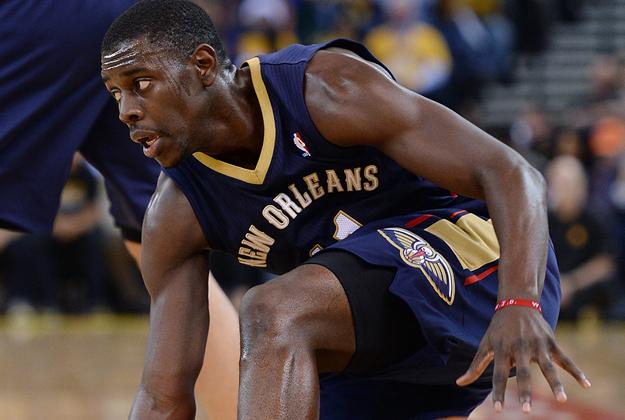Jrue Holiday lesionado, noticia en viva basquet
