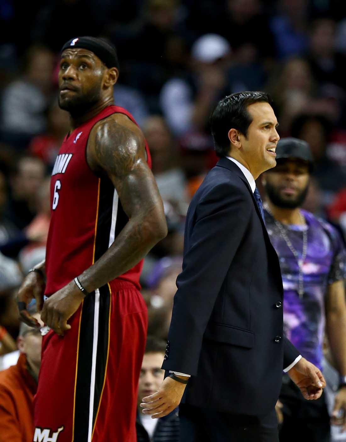 Miami Heat v Charlotte Bobcats en viva basquet