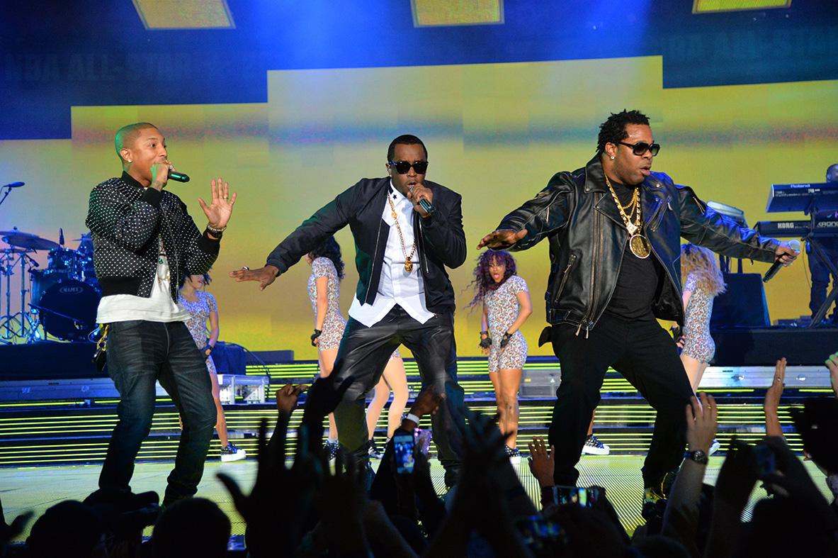 """Pharrell Williams, Sean """"Diddy"""" Combs, Busta Rhymes en el ALL STAR game en viva basquet"""