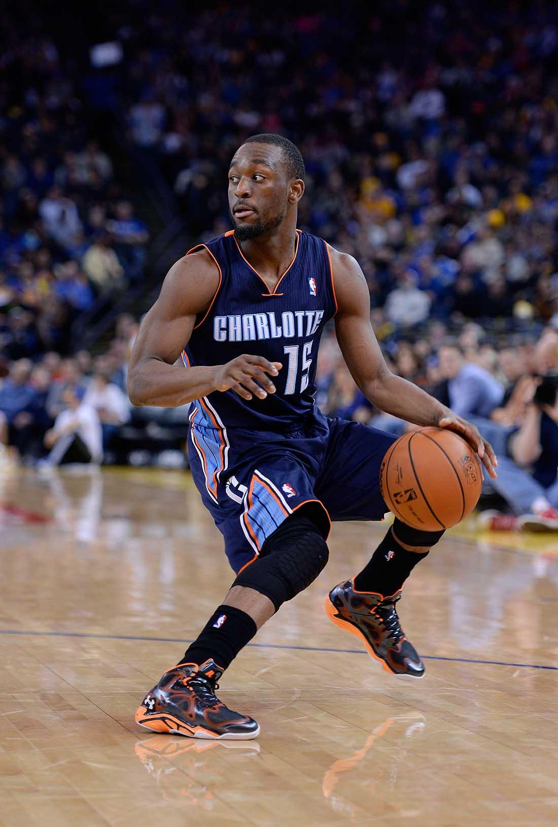 Kemba Walker  de los Charlotte Bobcats v Golden State Warriors en viva basquet