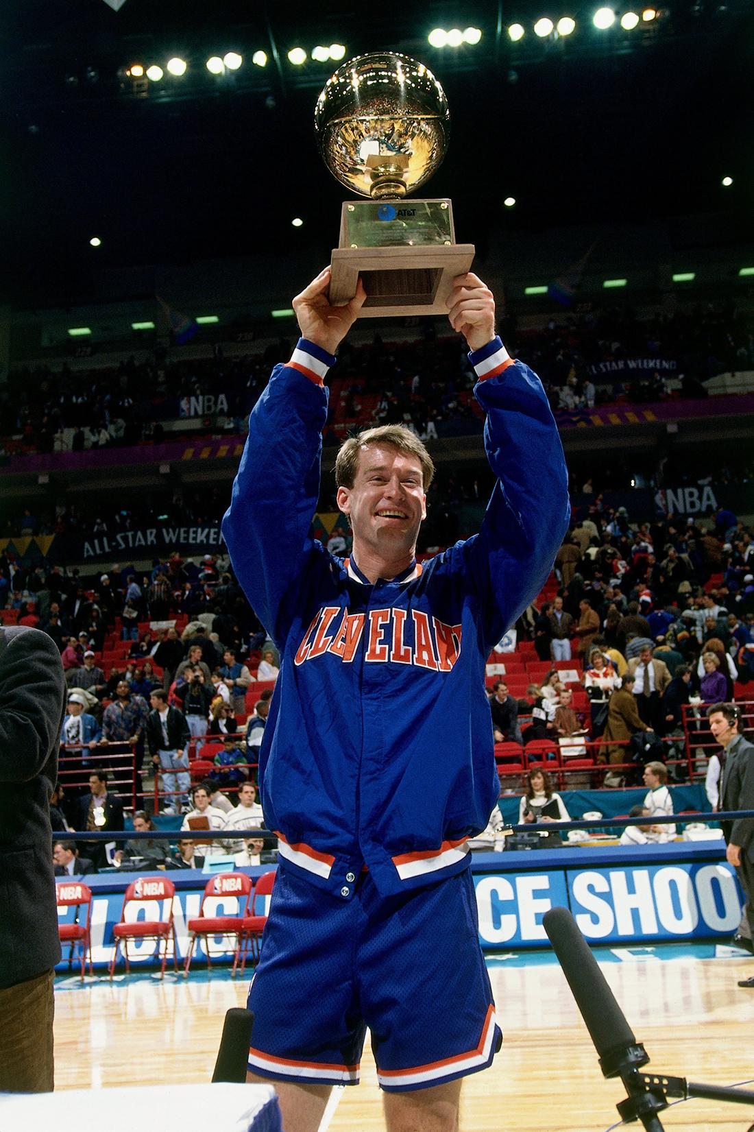 Mark Price ganador en concurso de tres puntos en viva basquet