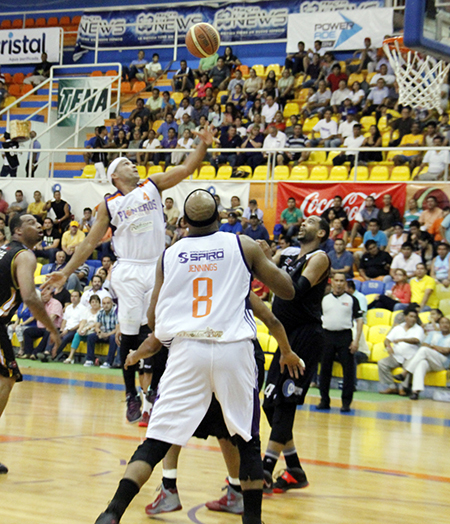 PIONEROS VS TOROS playoffs en viva basquet