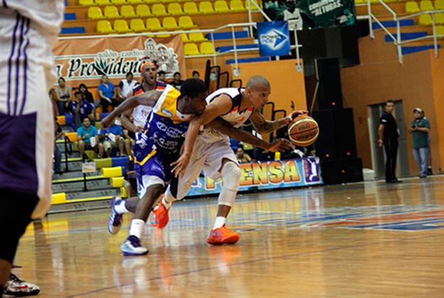 PIONEROS VS FUERZA REGIA en viva basquet