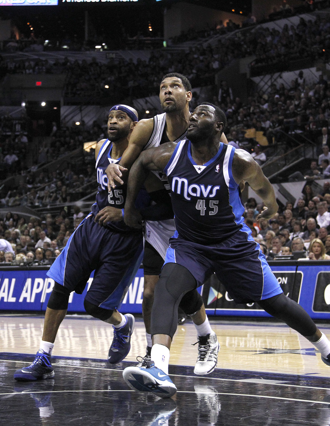 Dallas Mavericks v San Antonio Spurs - Game Two en viva basquet