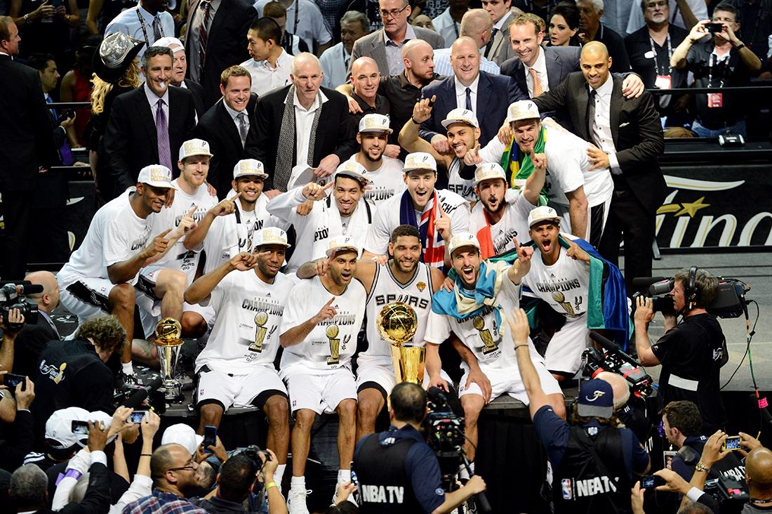 spurs campeon en viva basquet