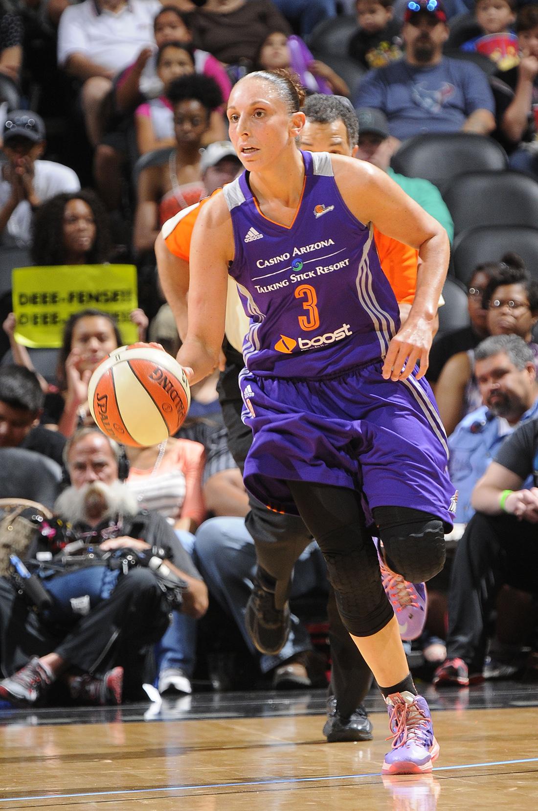 Phoenix Mercury v San Antonio Stars en viva basquet