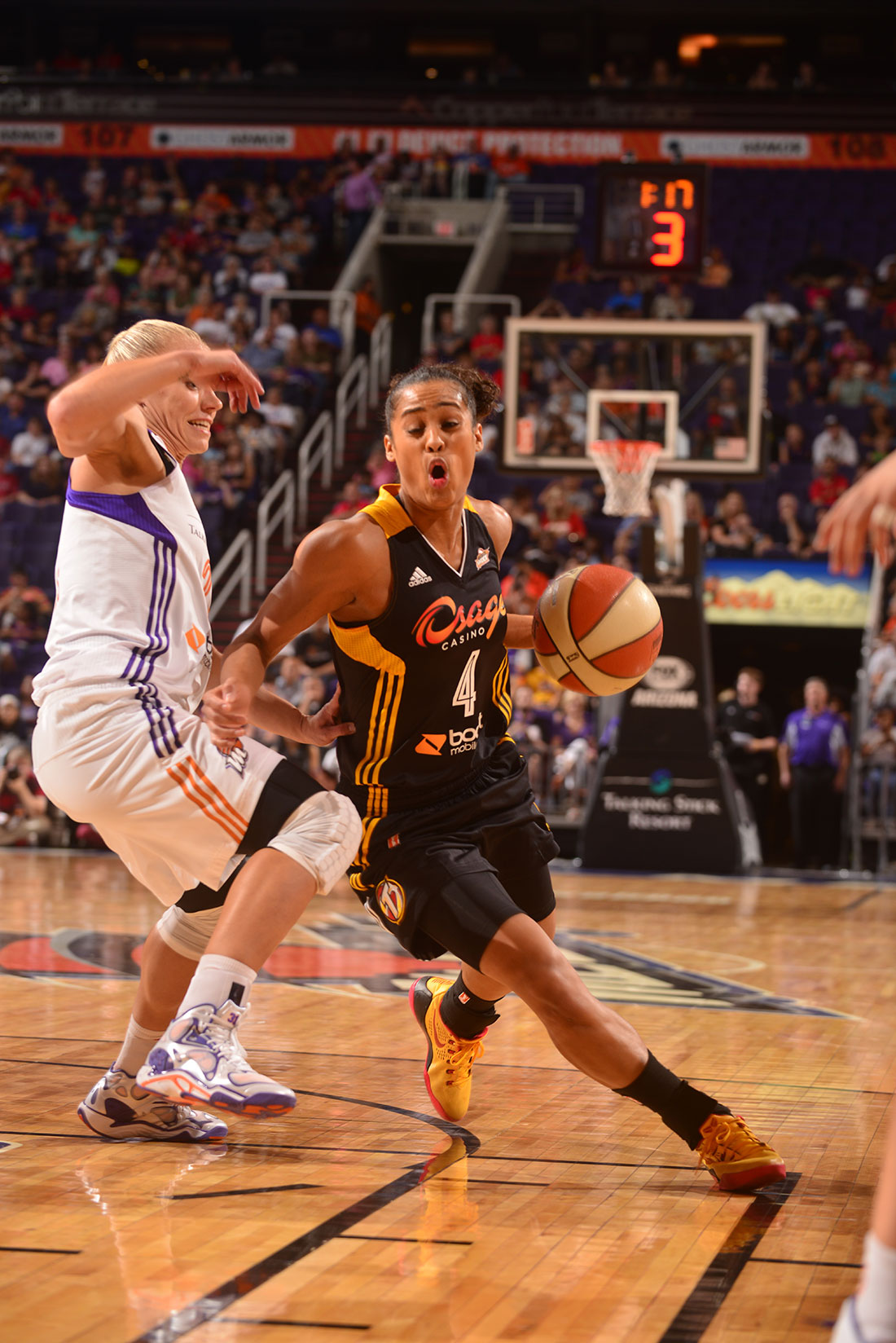 Skylar Diggins Copyright 2014 NBAE (Photo by Shane Bevel/NBAE via Getty Images