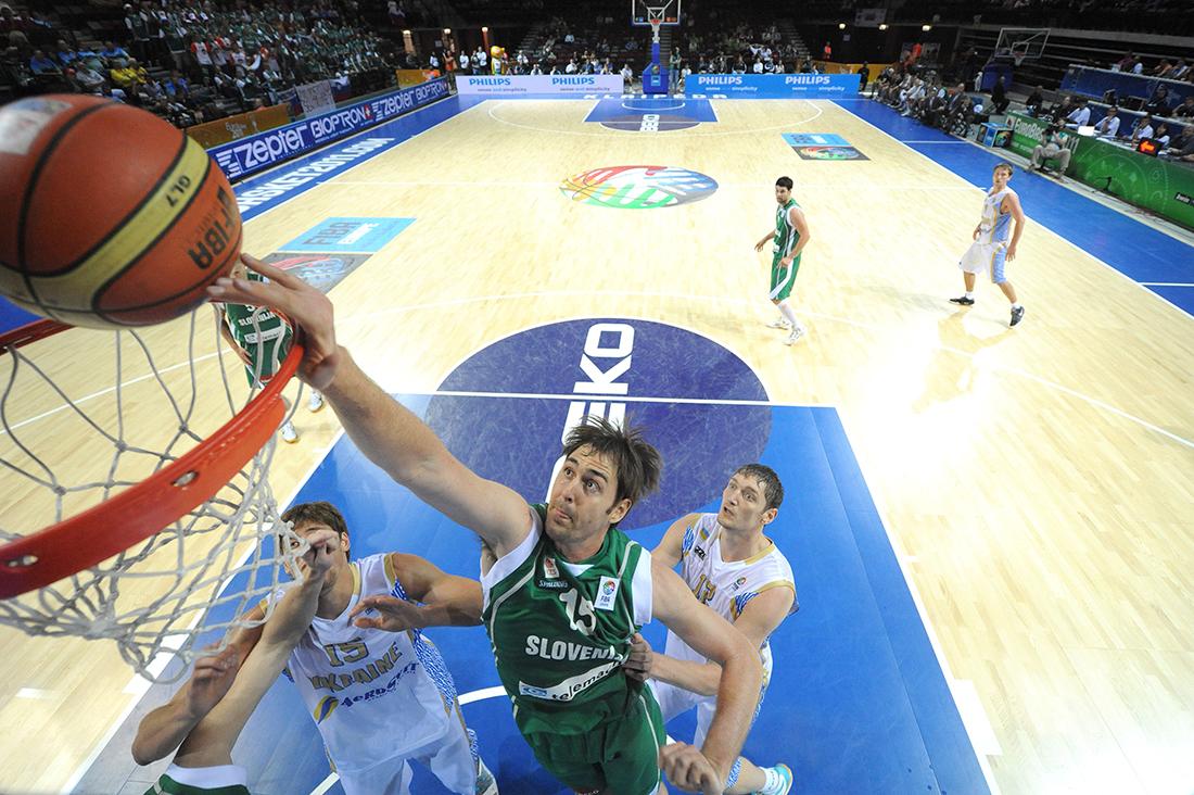 Erazem Lorbek es baja con Eslovenia en viva basquet