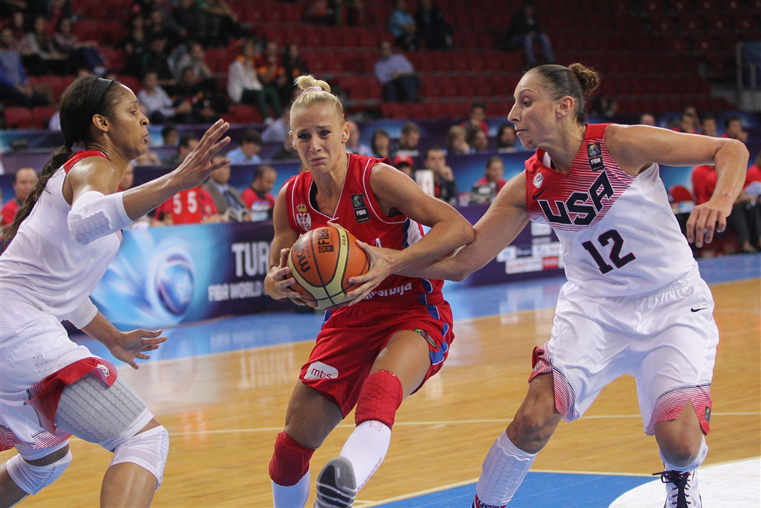 turquia y eua en cuartos de final en el mundial de basquetbol femenil en turquia 2014