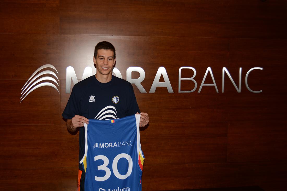 Andorra presenta a Román Martínez en viva basquet