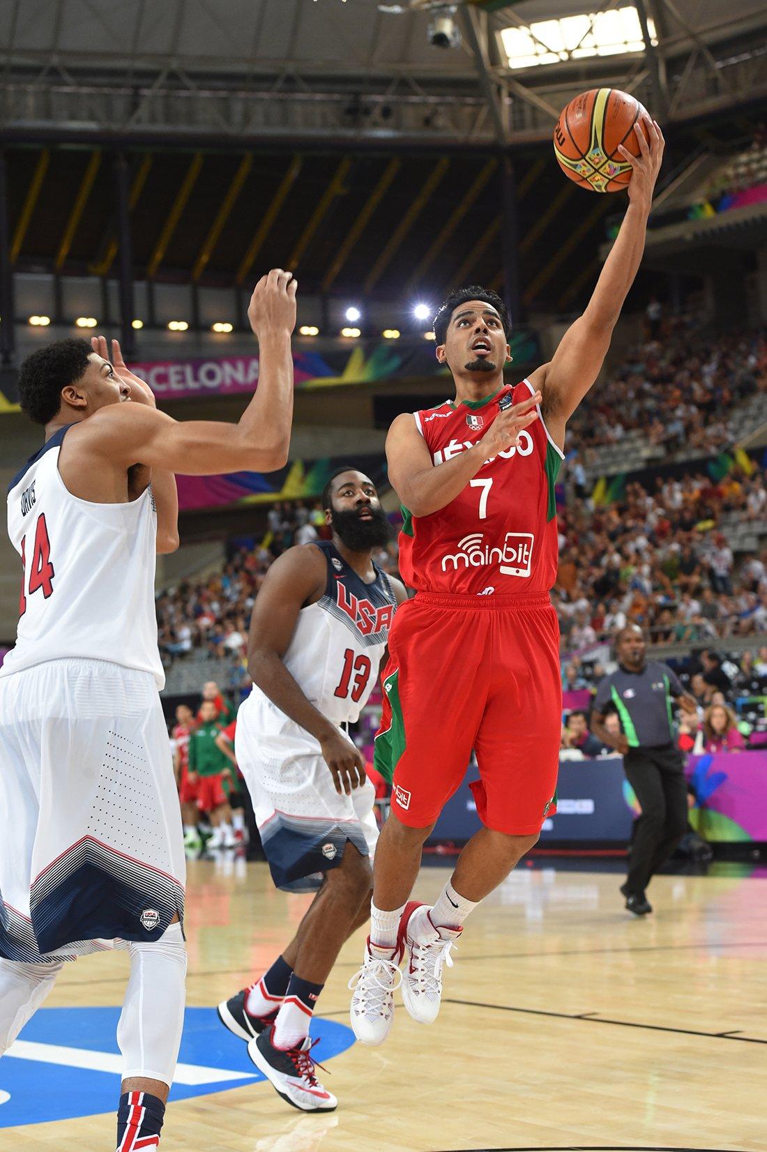 Jorge Gutiérrez en octavos de final contra estados unidos en viva basquet