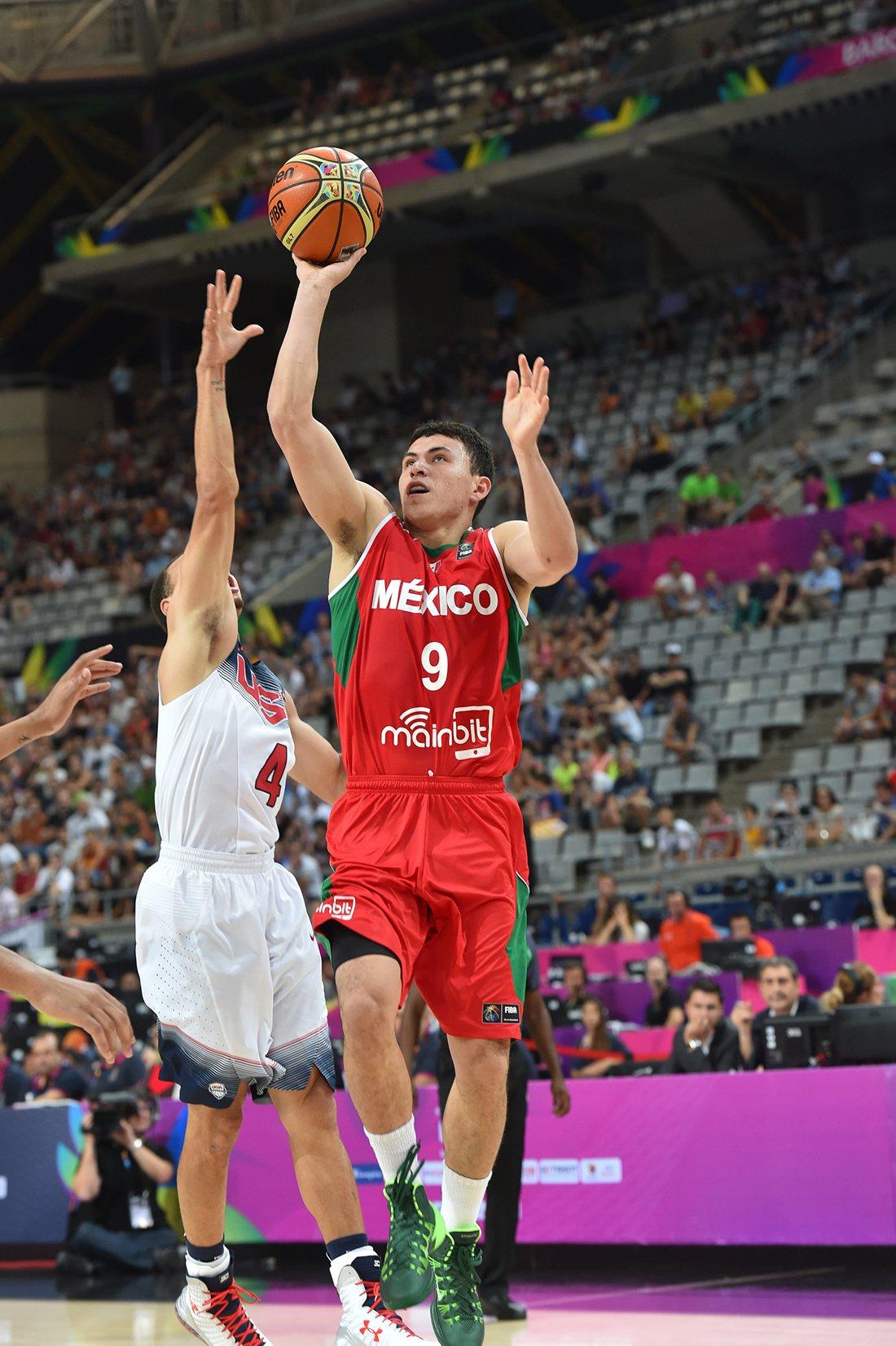 Paco Cruz en octavos de final contra estados unidos en viva basquet