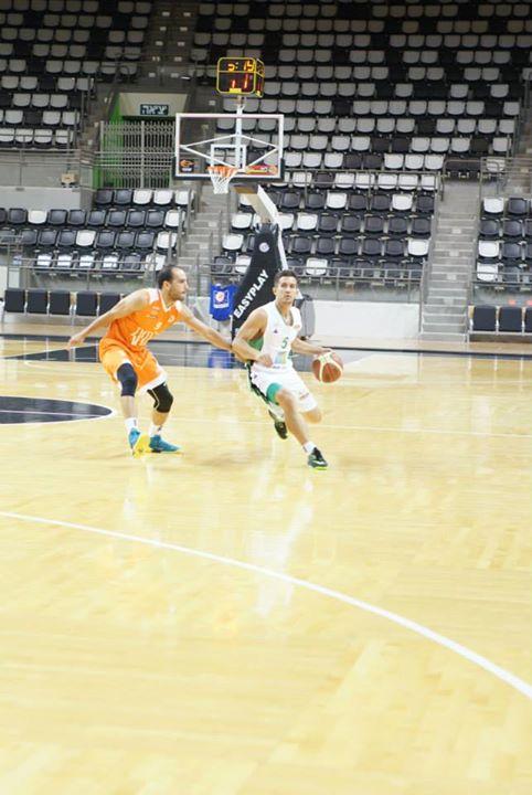 La aventura de Héctor Hernández en viva basquet