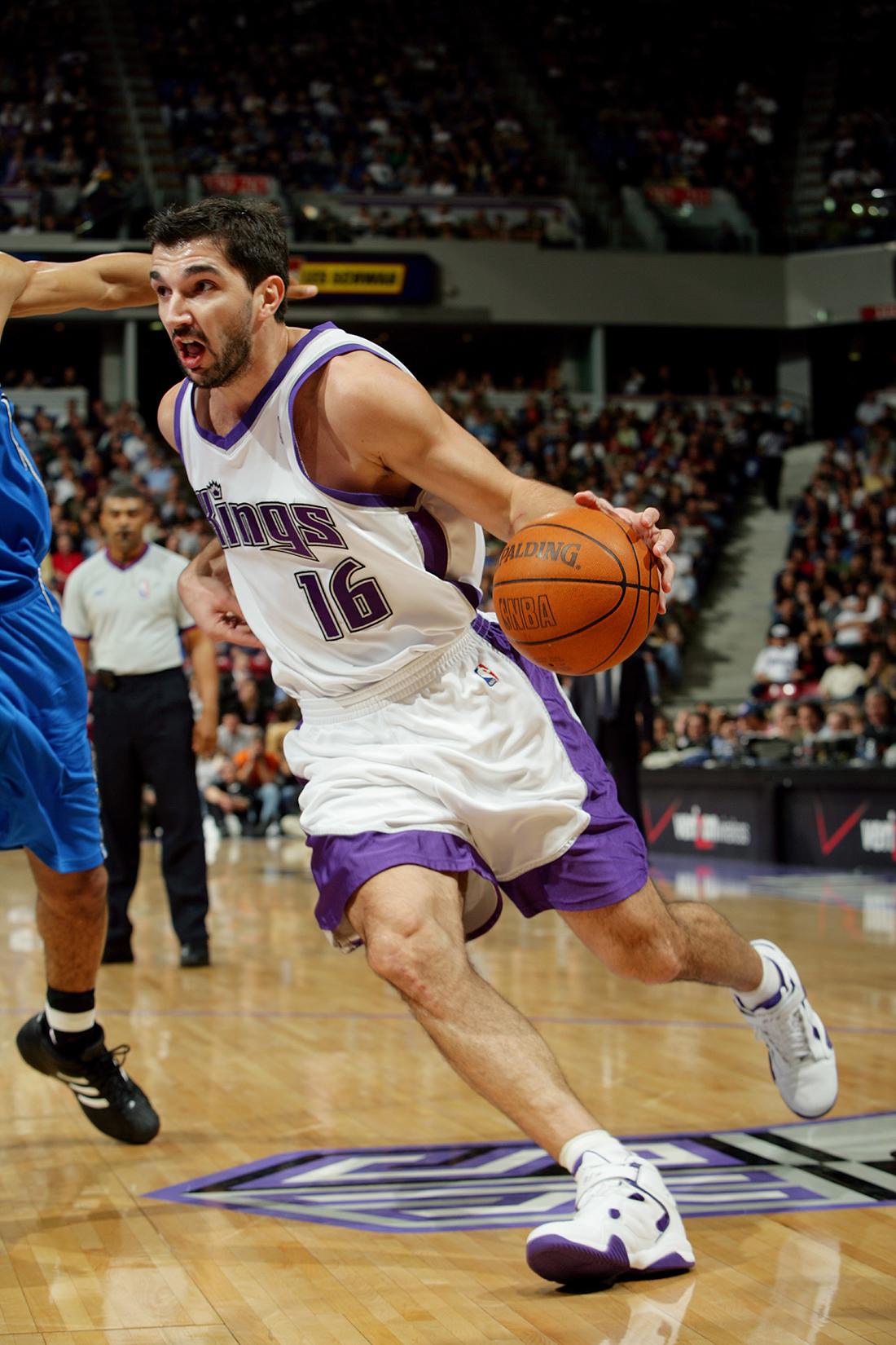 Los Kings anuncian homenaje a Peja Stojakovic en viva basquet