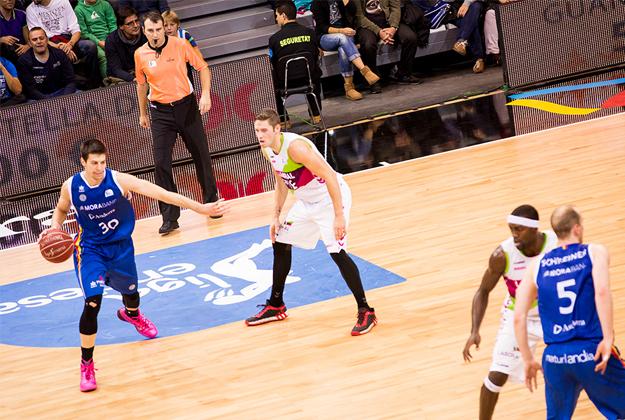 Román y el MoraBanc Andorra logran su primer triunfo.