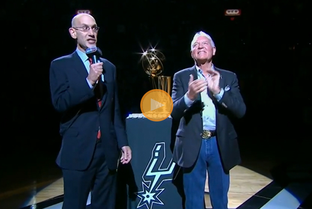 Spurs Se estrenan con victoria.