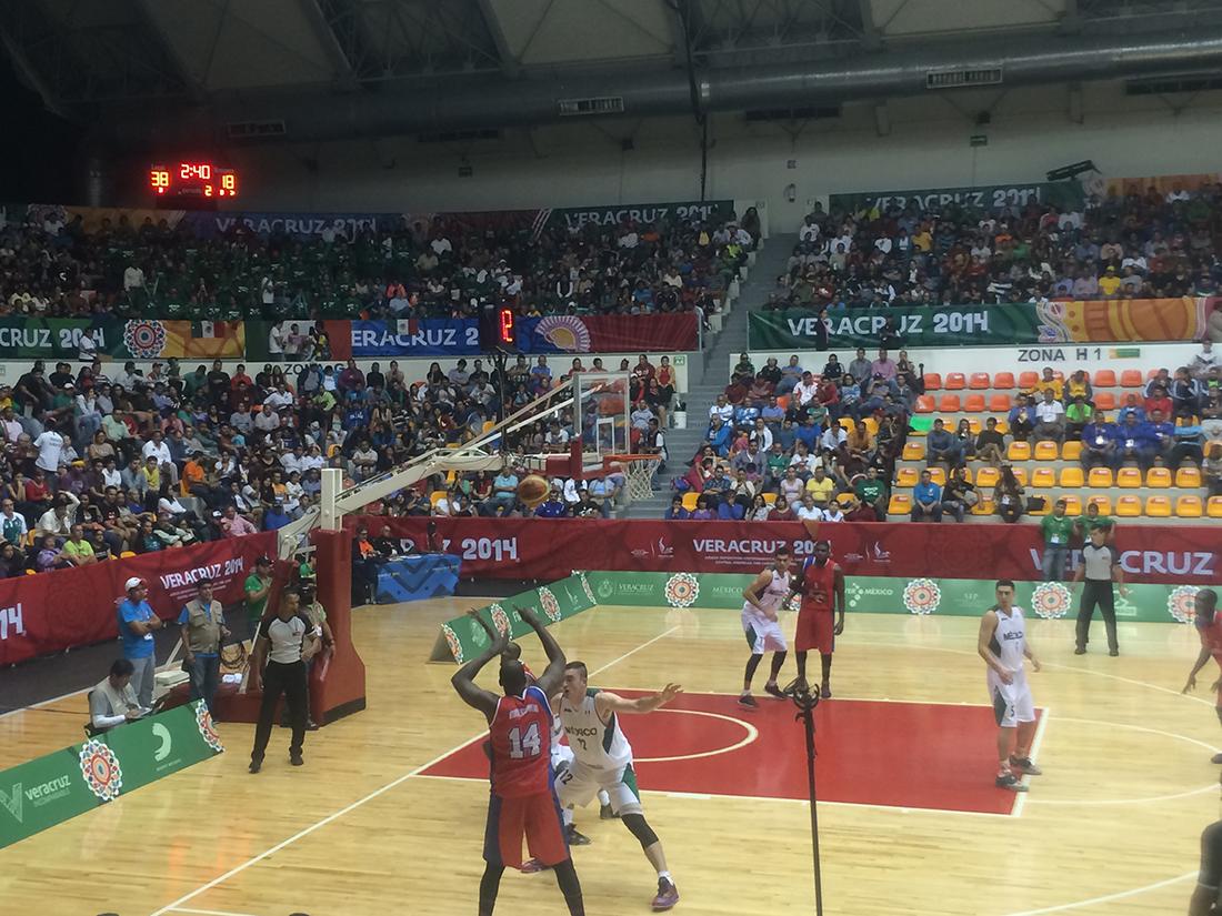 Selección mexicana basquetbol debuta con triunfo en Veracruz.