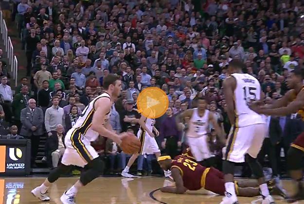 Hayward aniquila a los Cavaliers.