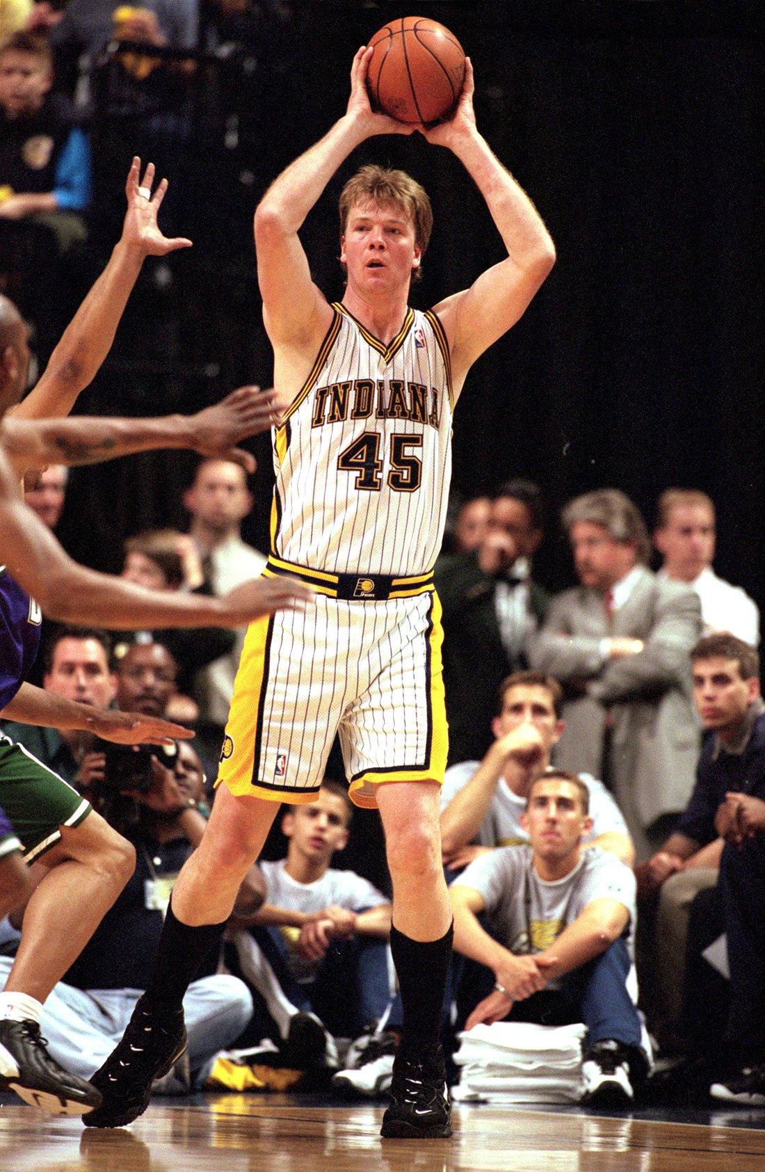 Rik Smits uno de los 10 europeos de época en la NBA en viva basquet