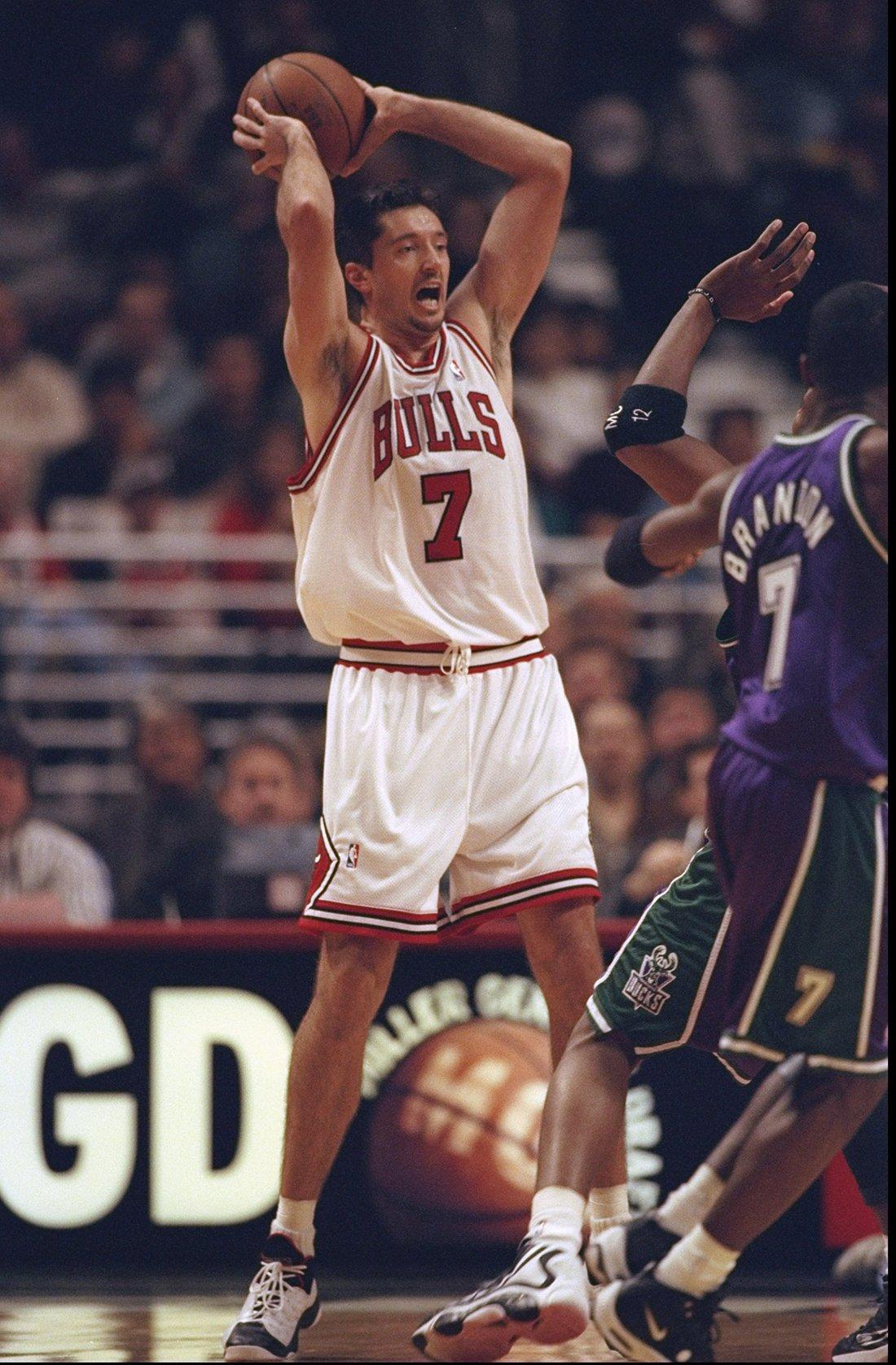 Tonu Kukoc uno de los 10 europeos de época en la NBA en viva basquet