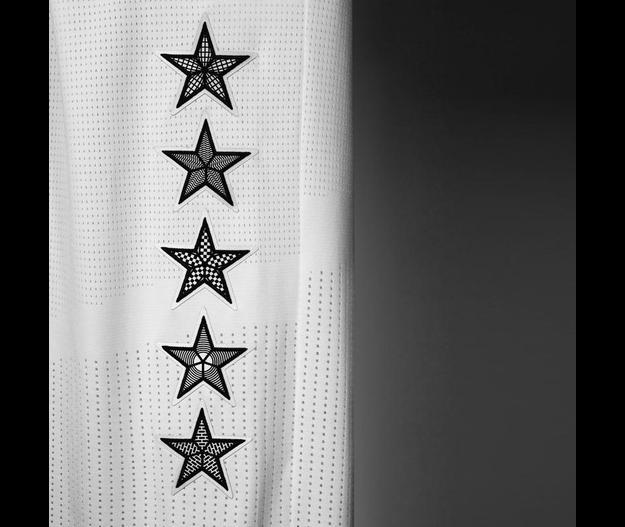 A escena los jerseys del NBA All-Star Game 2015.