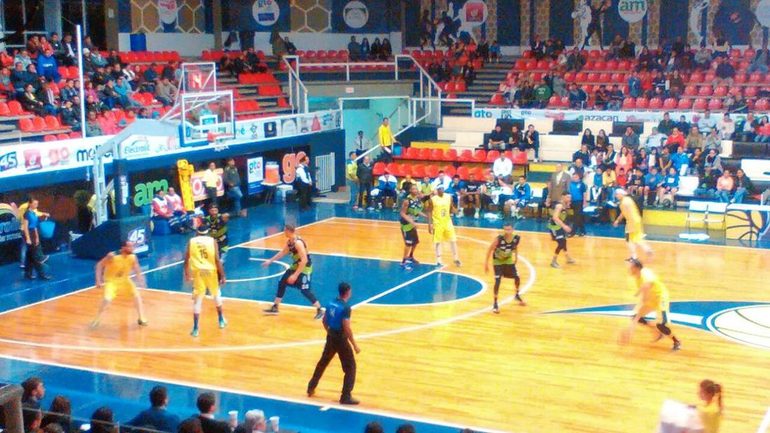 Halcones Rojos y Xalapa toman vuelo en la LNBP en viva basquet