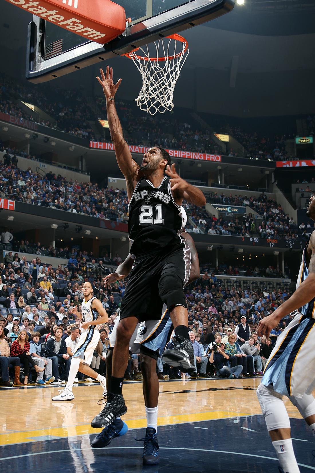 Los Grizzlies no pueden con Tim Duncan y los Spurs