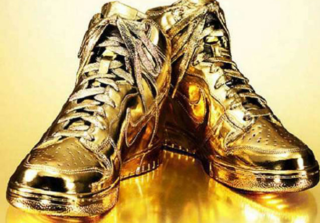 Gold-Pipped Nike Dunks