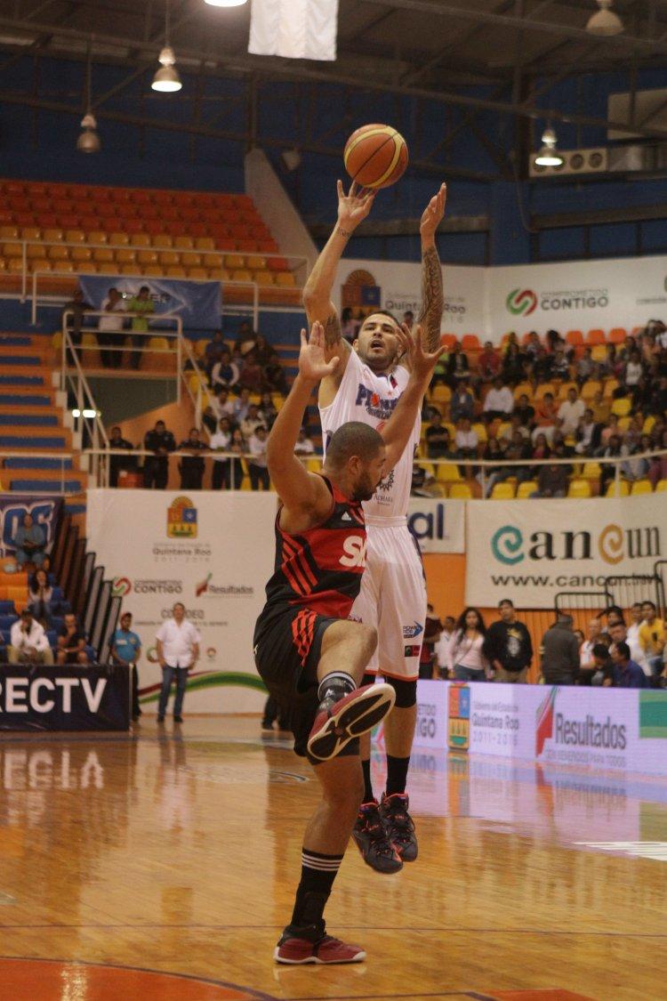 Pioneros saca la casta derrota al Flamengo en la Liga de Las Américas por viva basquet