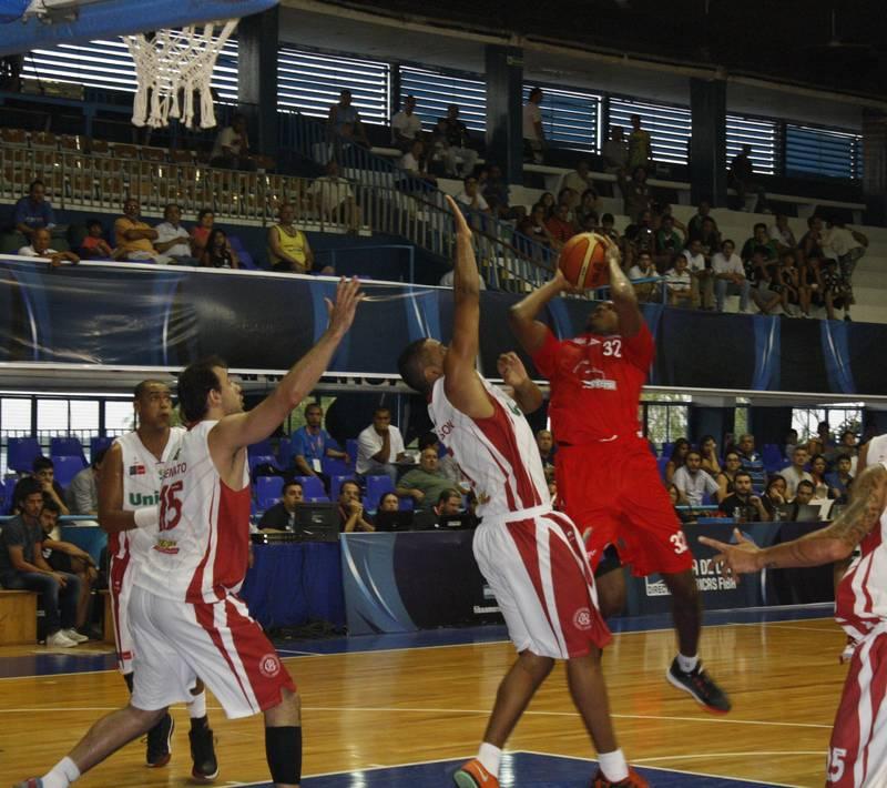 Halcones Rojos inicia con triunfo en la Liga de Las Américas por viva basquet