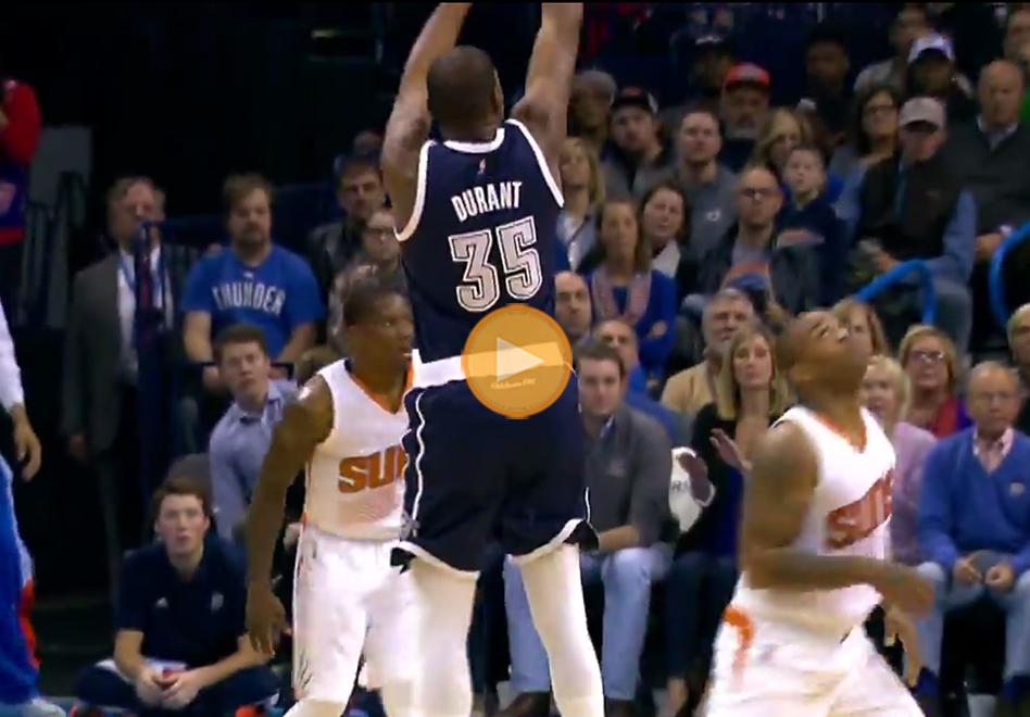 Kevin Durant regresa a lo grande en viva basquet