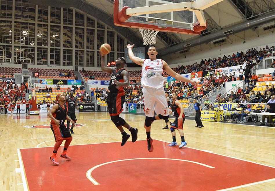 Los Halcones Rojos ganan y viajan a Argentina por viva basquet