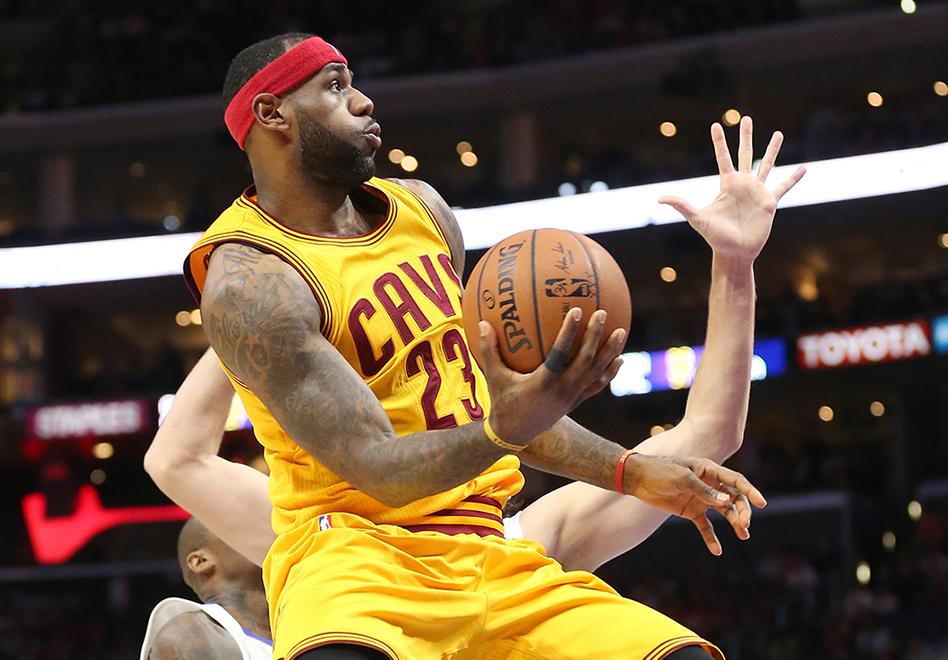 LeBron y los Rivers hacen historia en el Staples Center por viva basquet