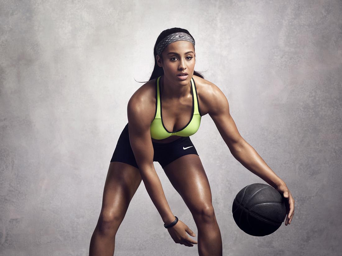 Skylar Diggins sexy en viva basquet