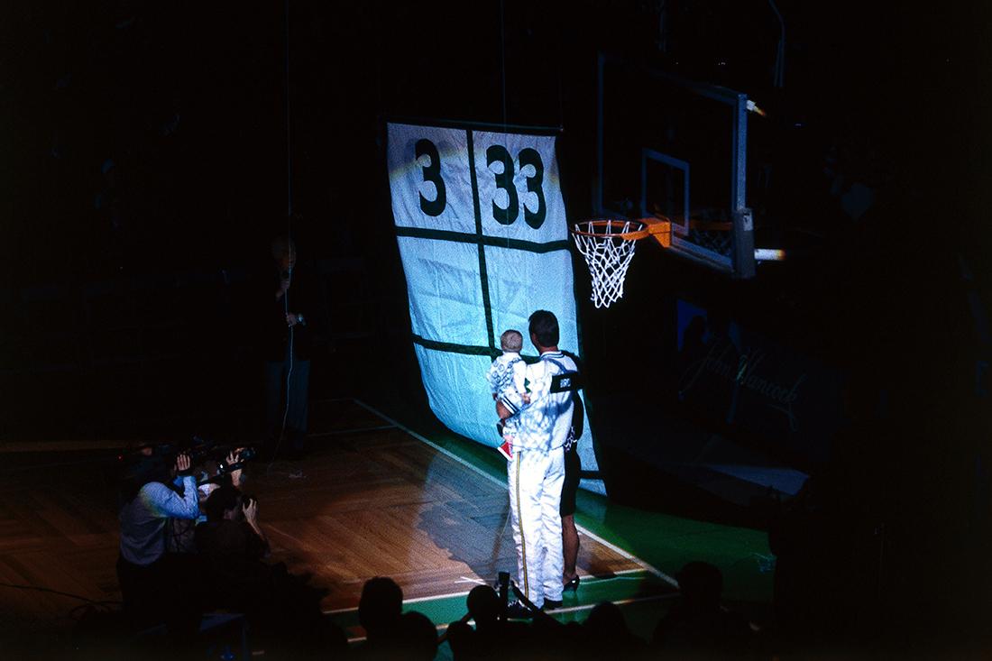 El día que  el 33 de Larry Bird se convirtió en leyenda por viva basquet