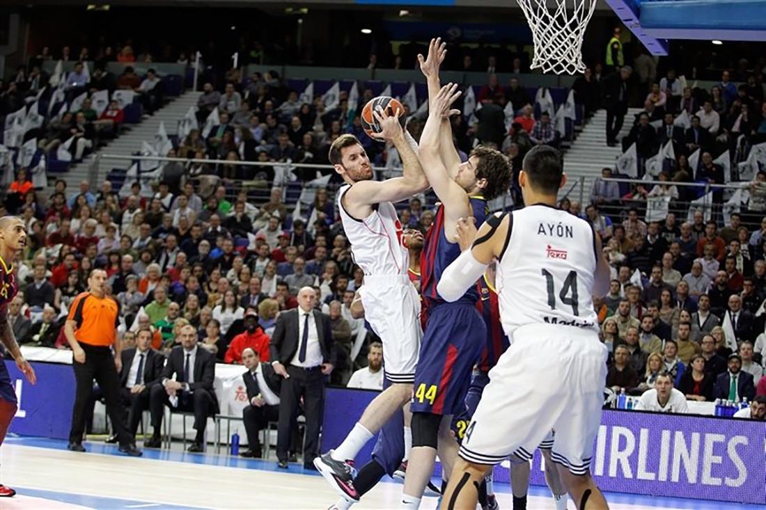 Triunfa con autoridad Real Madrid sobre el Barcelona por viva basquet